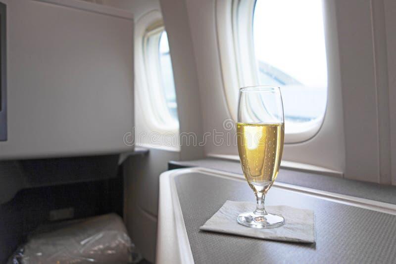 Vidro luxuoso do champanhe foto de stock