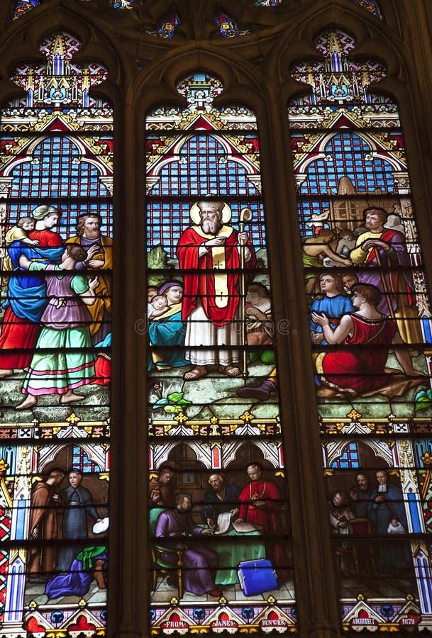 Download Vidro Manchado New York Cit De Saint De Iriish Imagem de Stock - Imagem de edifício, catedral: 10060707