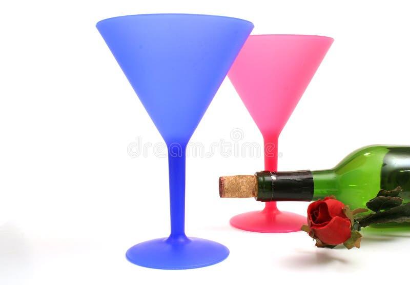 Vidros da barra & frasco de vinho imagem de stock
