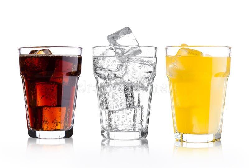 Vidros da cola e da bebida e da limonada da soda alaranjada fotos de stock