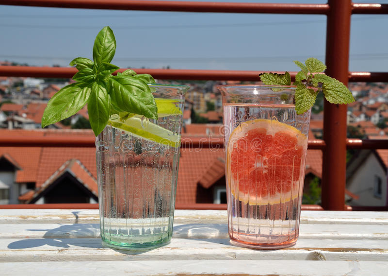 Vidros de bebidas frescas fotografia de stock