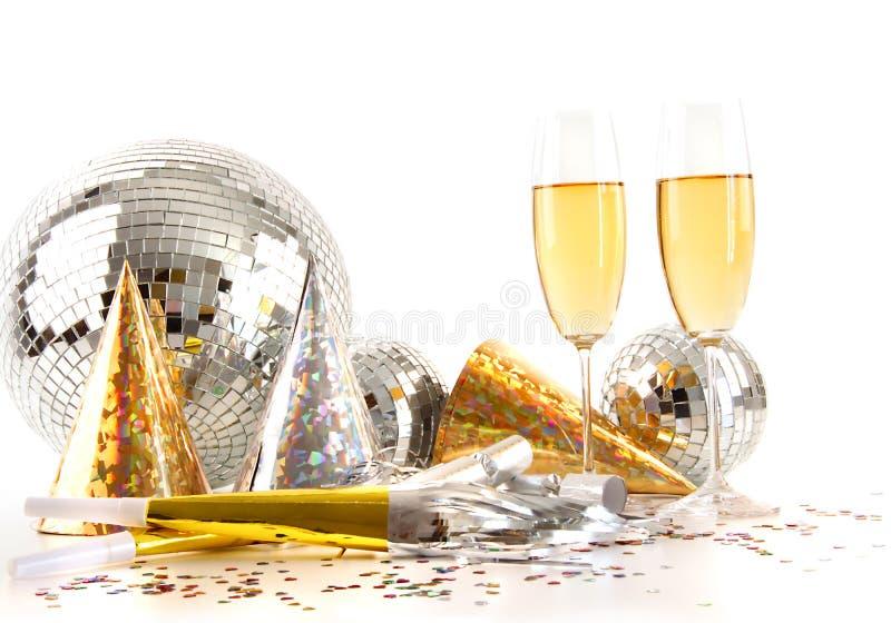 Vidros de Champagne e esfera do disco