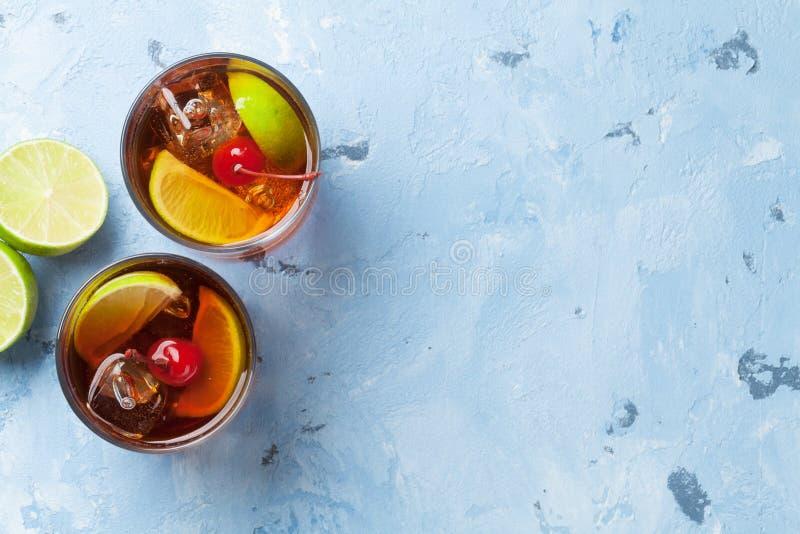 Vidros de cocktail do libre de Cuba imagem de stock royalty free