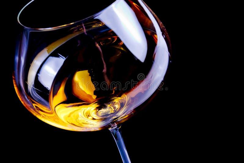 Vidros de vinho branco com espaço para o texto fotografia de stock