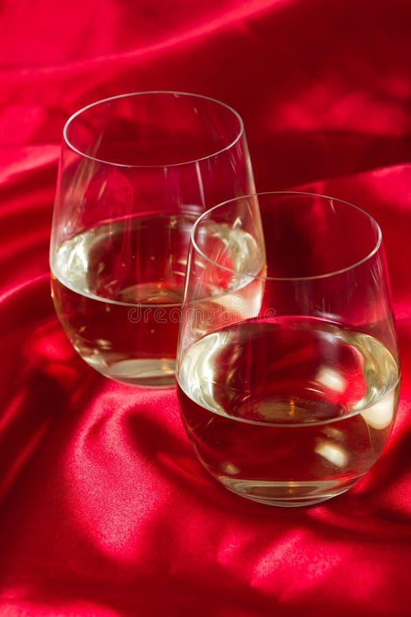 Vidros de vinho branco Stemless foto de stock royalty free