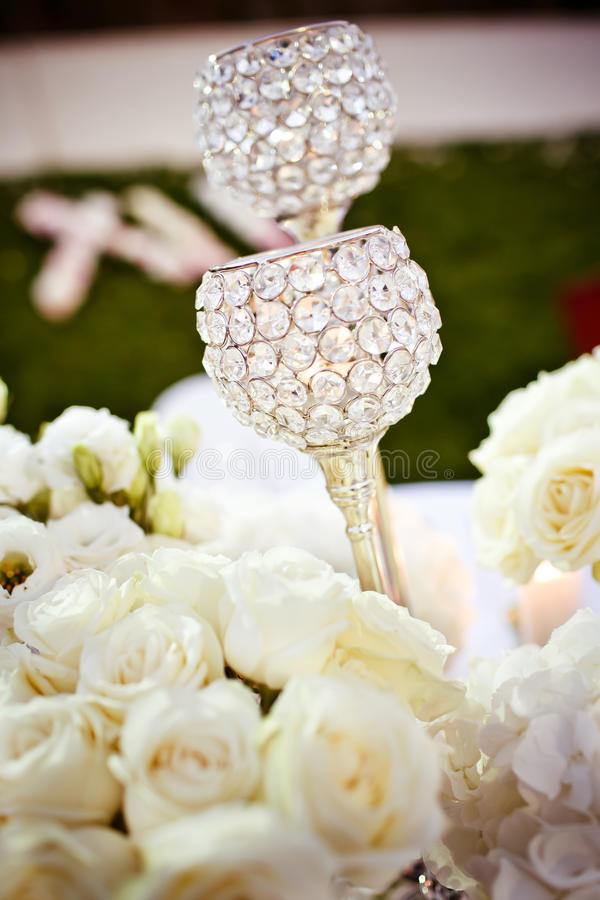 Vidros do casamento ajustados fotografia de stock