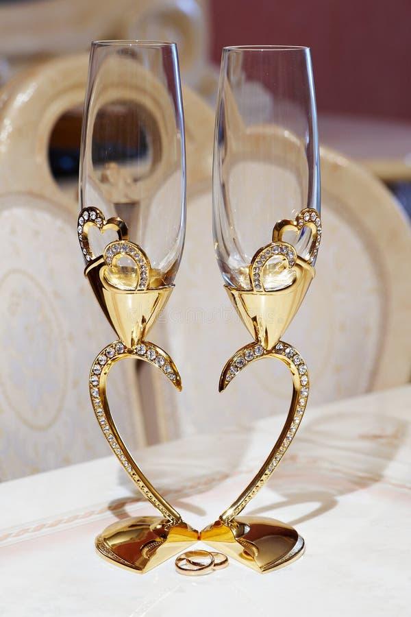 Vidros do casamento para o champanhe imagem de stock royalty free