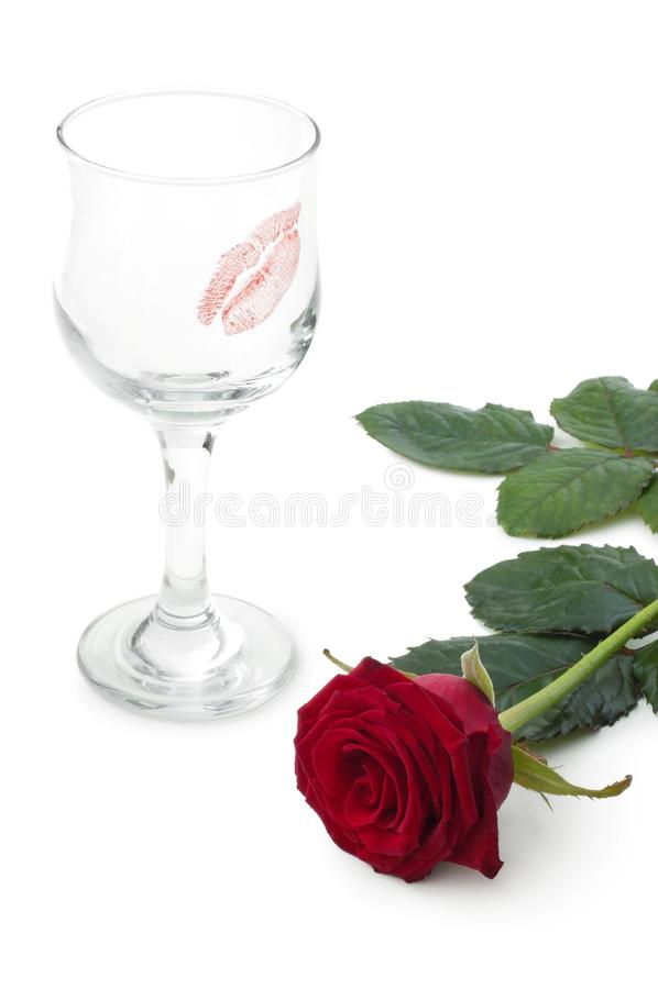 Vidros do vinho e das rosas fotografia de stock
