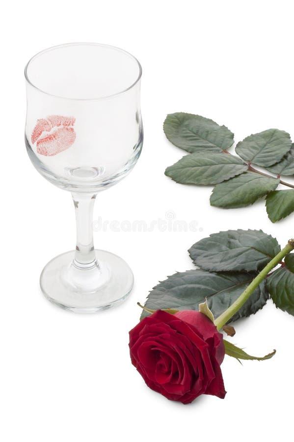 Vidros do vinho e das rosas fotos de stock royalty free