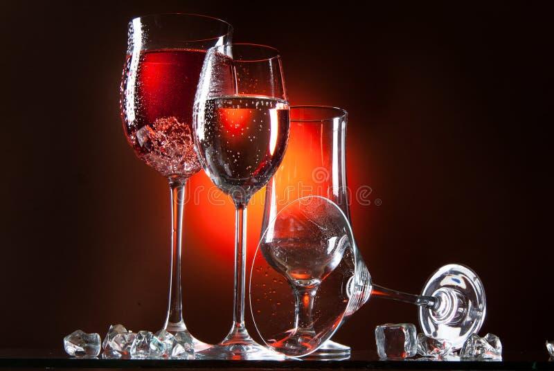 Vidros e líquidos foto de stock royalty free