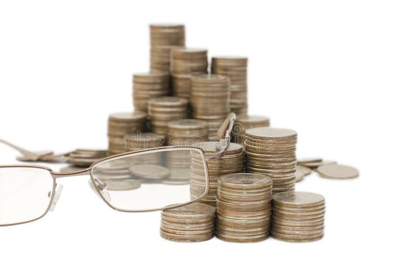 Download Vidros e moedas foto de stock. Imagem de fundo, isolado - 12801276