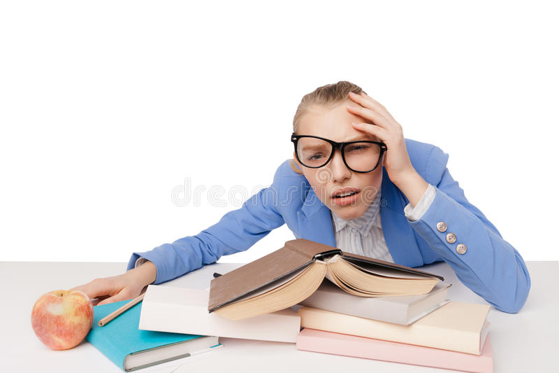 Vidros vestindo chocados, surpreendidos do estudante imagens de stock