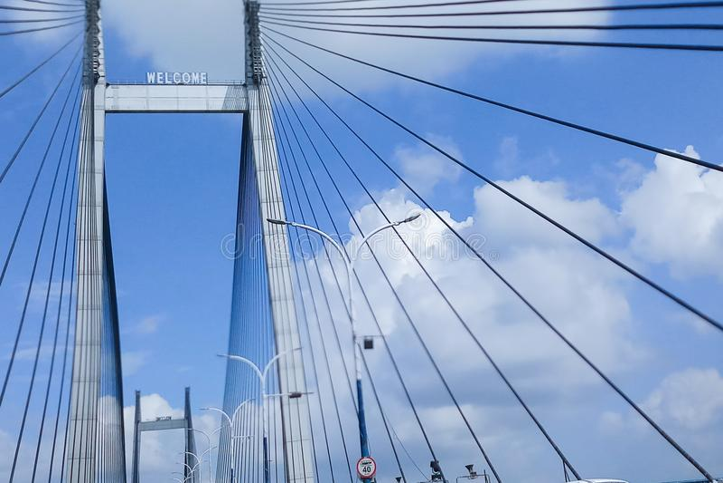 Vidyasagar Setu, le plus long câble - pont resté dans l'Inde images stock