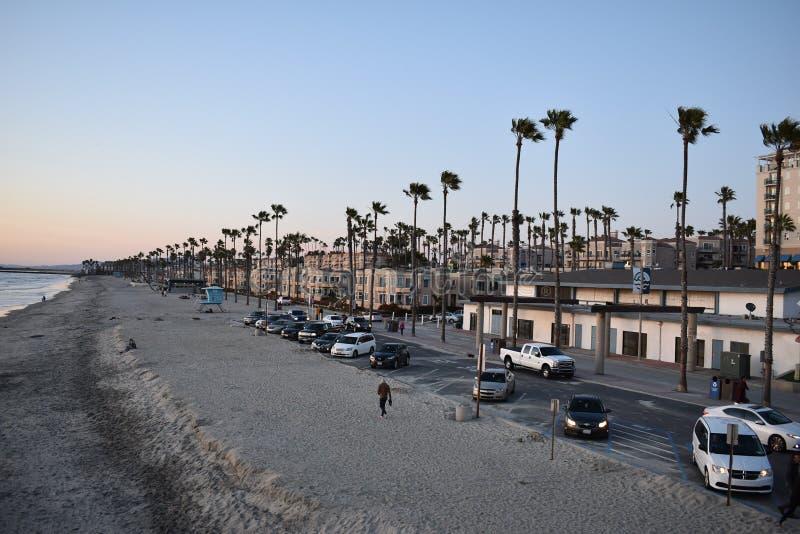 Vie dans un paradis de la Californie ! Le doesn't de rivage vont mieux ! photo stock