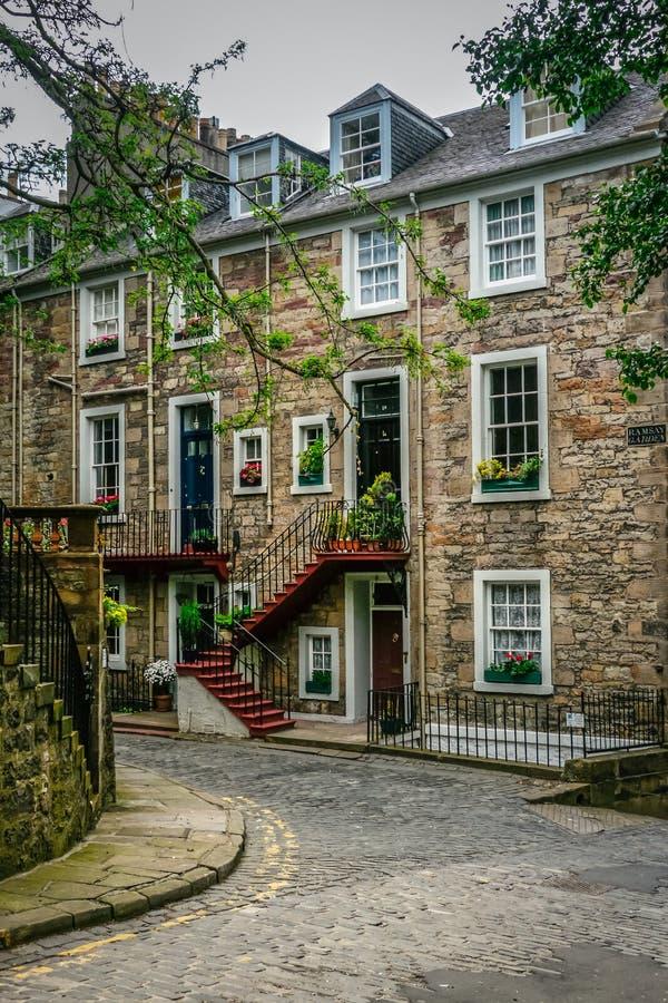 Vie di Edimburgo, Ramsay Garden fotografia stock libera da diritti