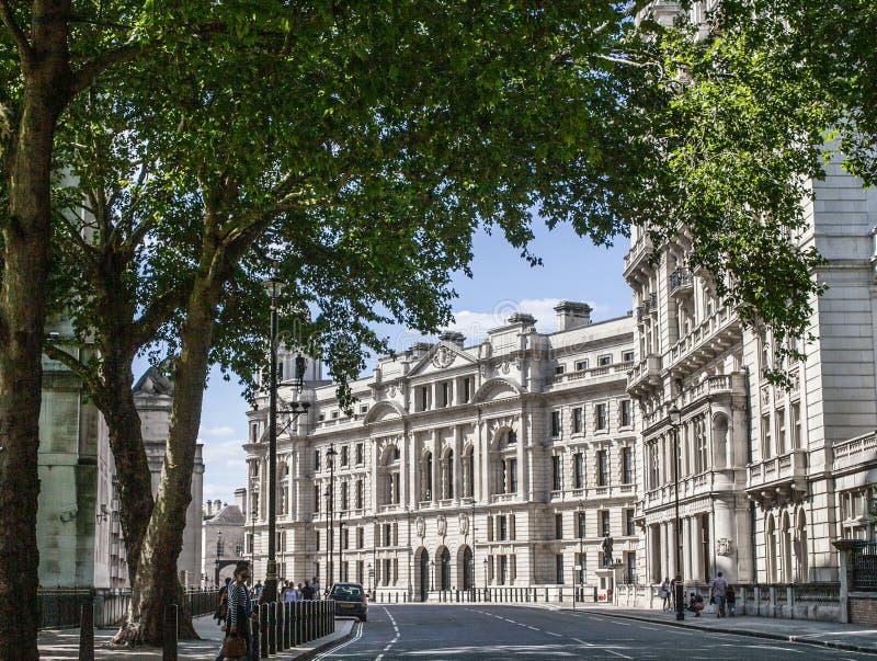Vie di Londra - una costruzione bianca fotografia stock libera da diritti