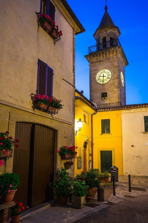 Vie di sera di San Marino fotografia stock libera da diritti