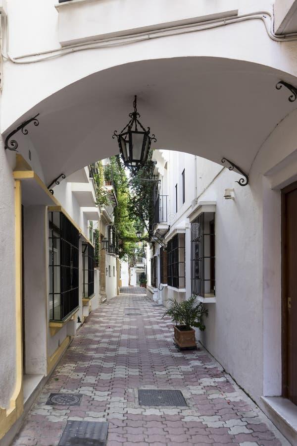 Vie di vecchia città di Marbella, Andalusia fotografie stock