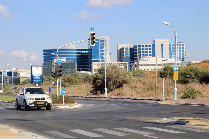 Vie e costruzione moderna a Herzliya, Israele immagini stock