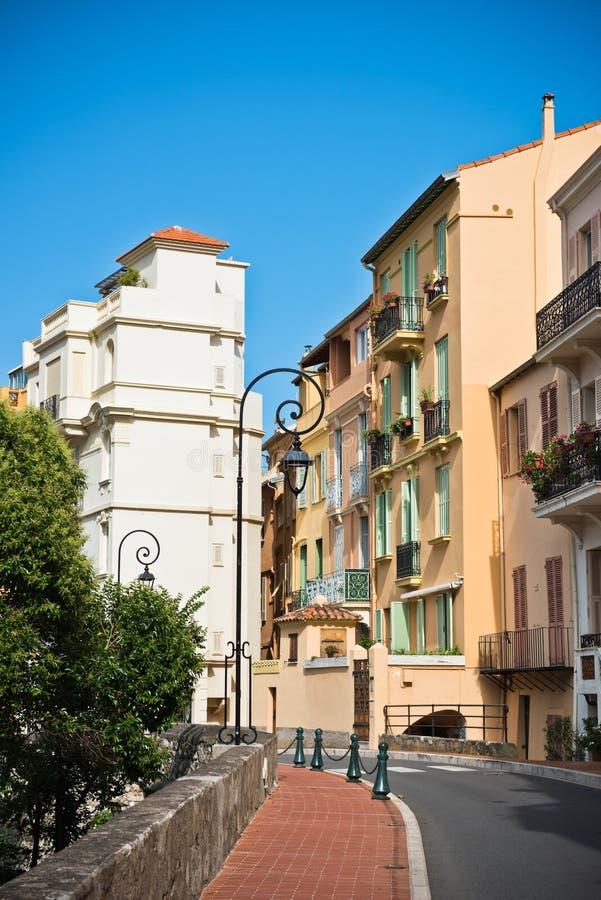 Vie e costruzioni in vecchia città Monaco fotografia stock