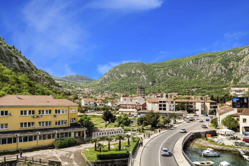 Vie e turisti in Cattaro immagini stock libere da diritti