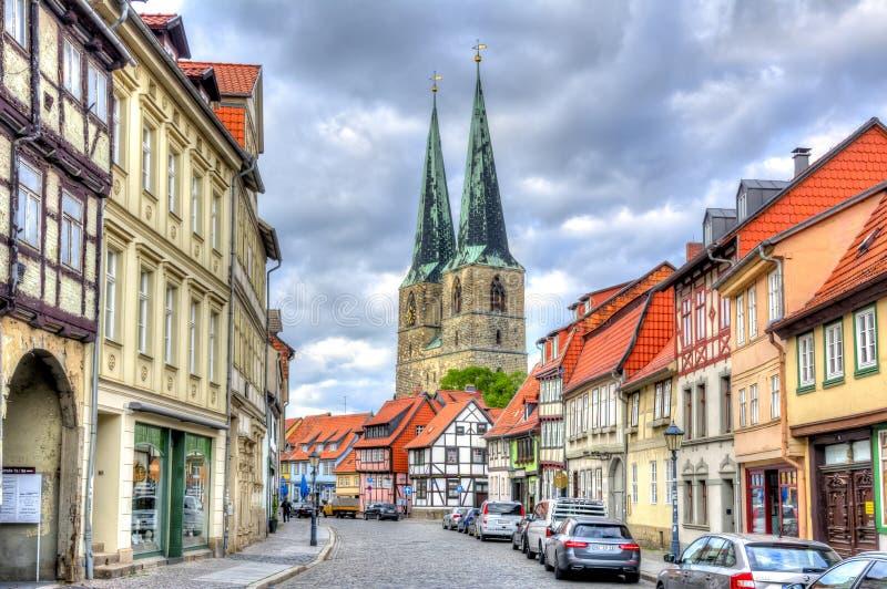 Vie ed architettura di Quedlinburg, Germania immagini stock