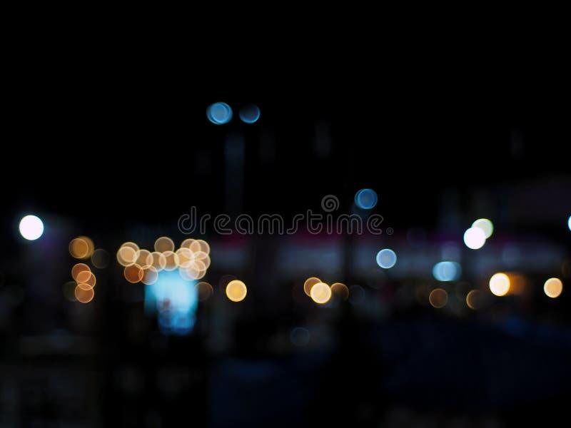Vie nocturne abstraite de bokeh à l'arrière-plan de ville photo libre de droits