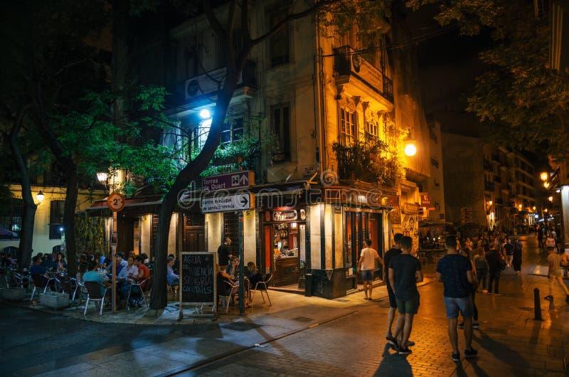 Vie nocturne avec le café et les barres à Valence, Espagne photo libre de droits