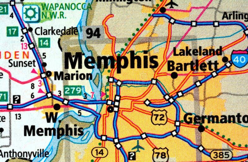 Vie numerate sulla mappa intorno alla città di Memphis, U.S.A., il 12 marzo 2019 fotografia stock libera da diritti