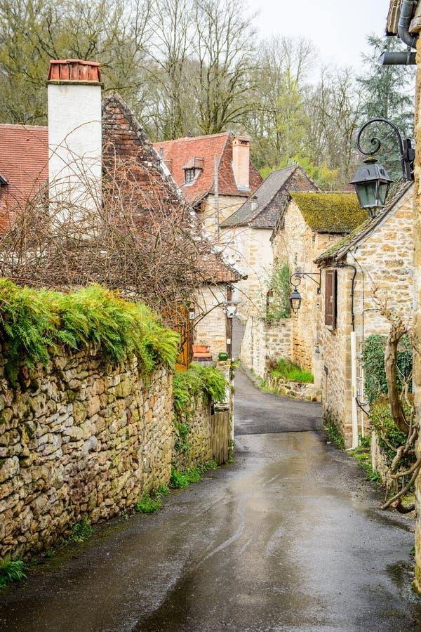 Vie pacifiche del villaggio del carennac alla Francia fotografia stock libera da diritti