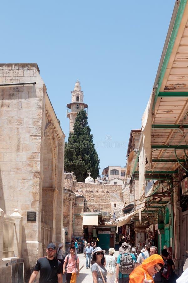 Vie silenziose nella vecchia città di Gerusalemme, Israele Mercato della via del ` im di Shuk ha Tsaba fotografia stock