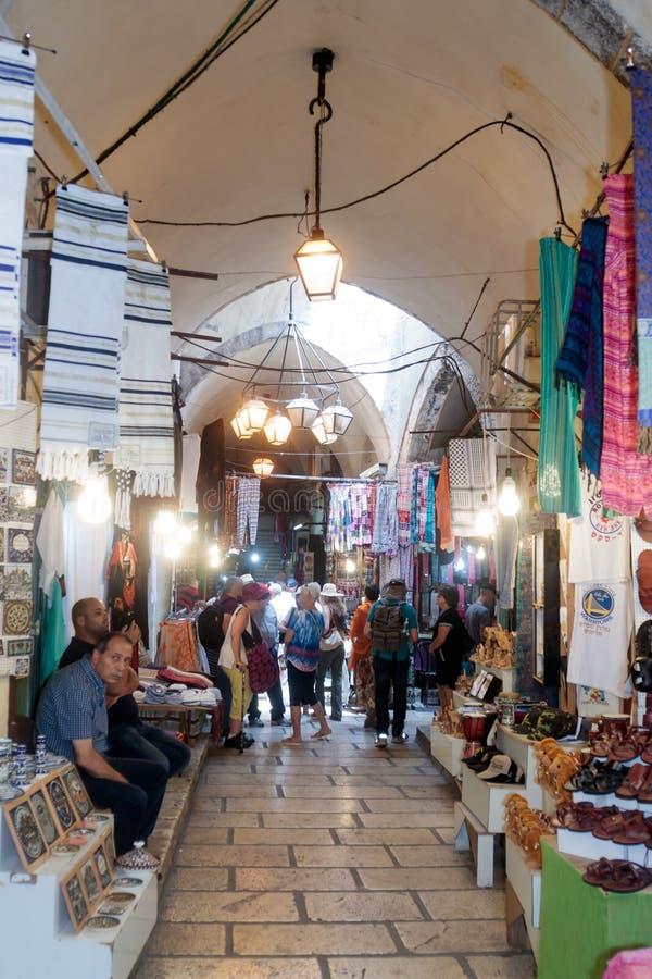 Vie silenziose nella vecchia città di Gerusalemme, Israele Mercato della via dell'ha Gai del batuffolo di EL immagine stock libera da diritti