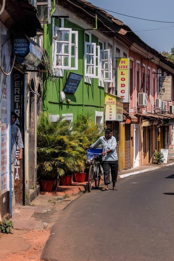 Vie soleggiate di Panaji, Goa, India fotografia stock libera da diritti
