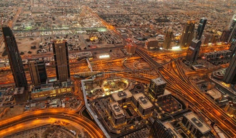 Vief aérien de Sheikh Zayed Road à Dubaï images stock