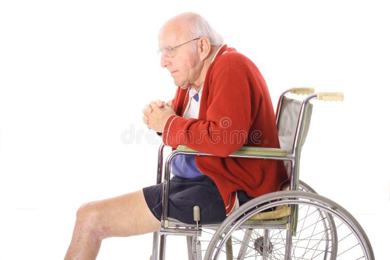 vieil aîné de patte d'amputation photo libre de droits
