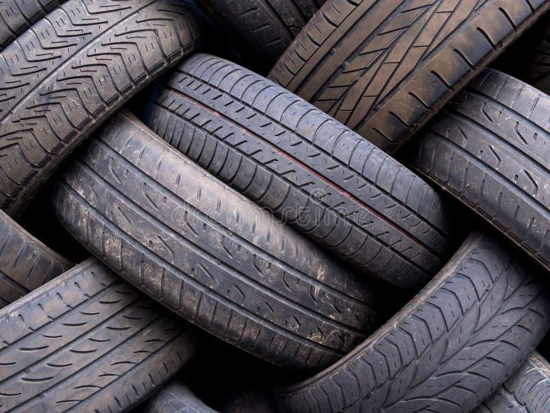 Vieil abrégé sur utilisé pneus image libre de droits