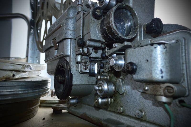 Vieil appareil-photo de film avec des tambours de film image stock