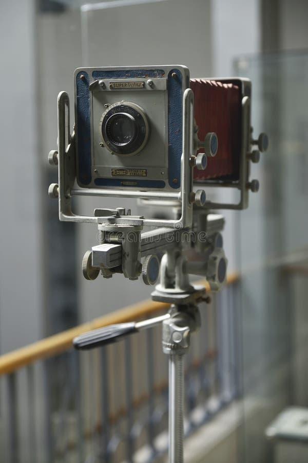 Vieil appareil-photo de professionnel de cru image libre de droits