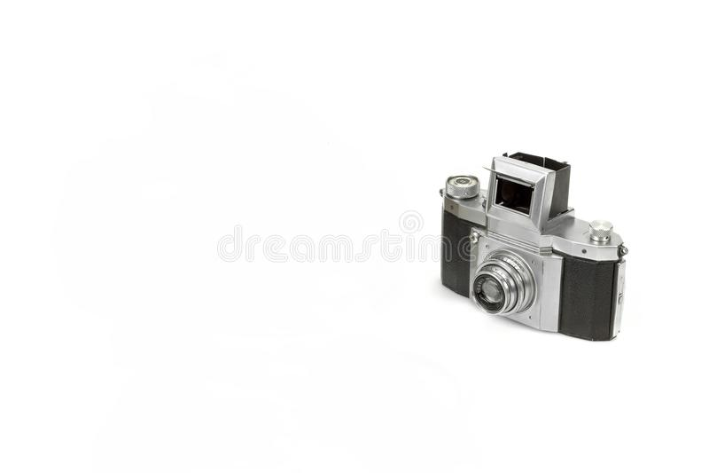 Vieil appareil-photo minable de photo de SLR 35mm d'isolement image stock