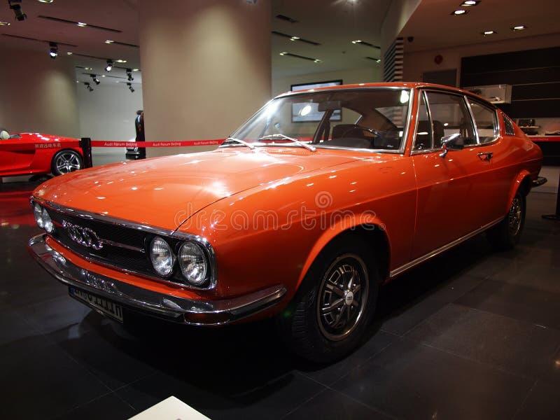 Vieil Audi, hall d'exposition d'Audi image libre de droits
