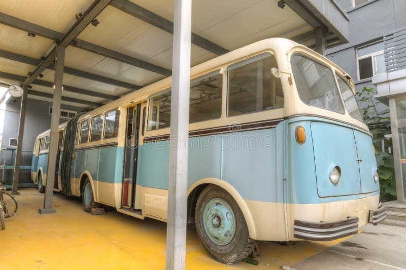 Vieil autobus images stock