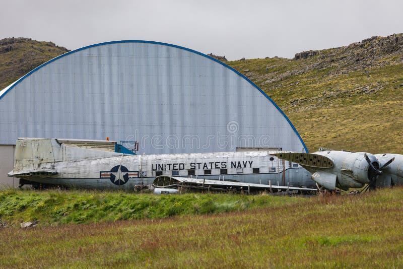 Vieil avion de marine se situant dans des westfjords de patrekfjordur photos libres de droits
