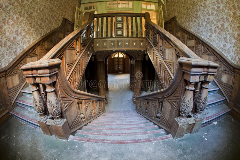 vieil escalier de manoir photographie stock image 24621512. Black Bedroom Furniture Sets. Home Design Ideas