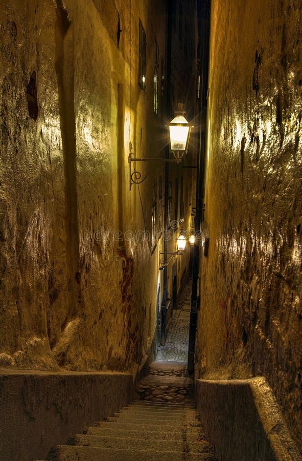 Vieil escalier de ville photos libres de droits