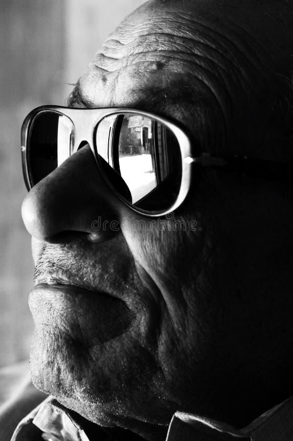 Vieil homme égyptien arabe photographie stock libre de droits