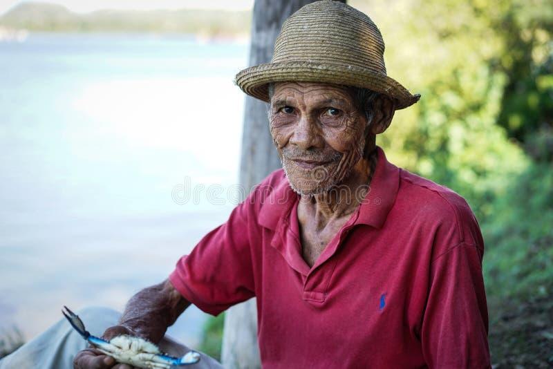 Vieil homme cubain image stock