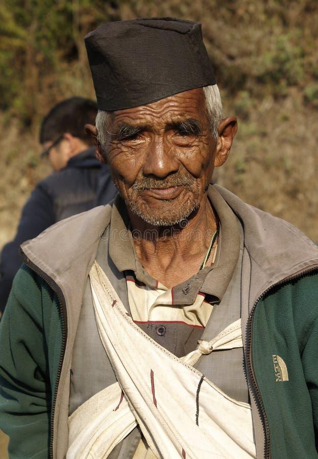 Vieil homme de Gurung images stock