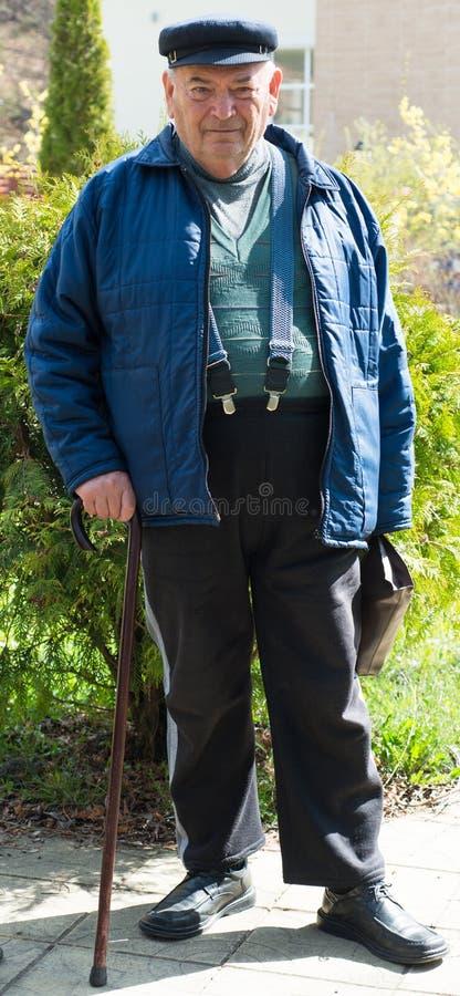 Vieil homme de sourire images libres de droits