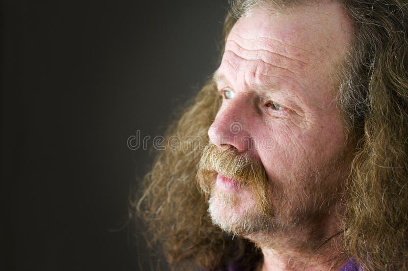 Vieil homme malheureux photographie stock libre de droits