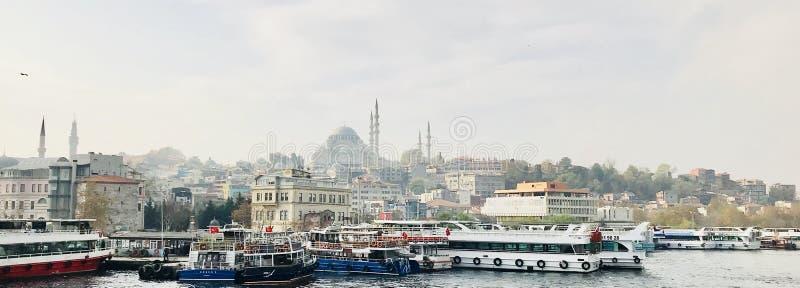 Vieil horizon de ville - Istanbul, Turquie image libre de droits